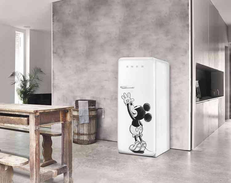 Smeg Kühlschrank Dolce Gabbana Preis : Smeg verführt mickey mouse fans: wohninsider.at das b2b magazin