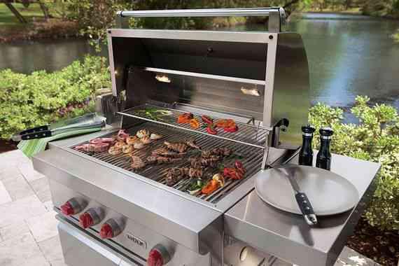Outdoorküche Buch Lösungen : Die wolf und subzero outdoor küche grillt alle stückerl: wohninsider